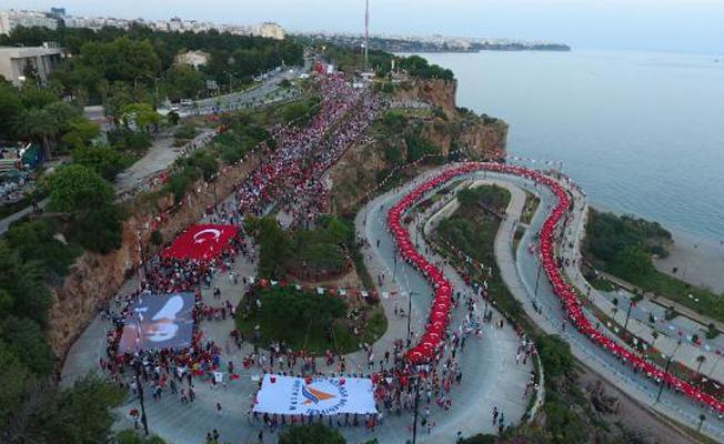 Fener alayına Türk bayraklı çağrı